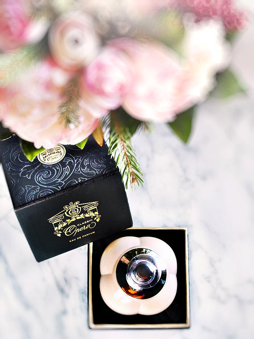 Opera Classic - parfum fragrance - pareri review - oriental floral - Dzintars