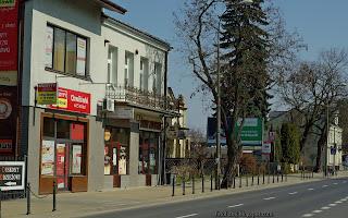 http://fotobabij.blogspot.com/2016/03/ul-pisudskiego-cukiernia-ryszard-puawy.html
