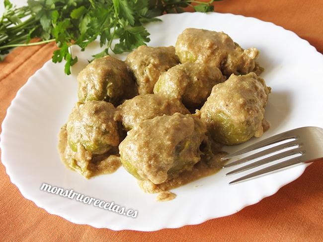 Coles de bruselas en salsa de nueces el monstruo de las - Como cocinar coles de bruselas ...