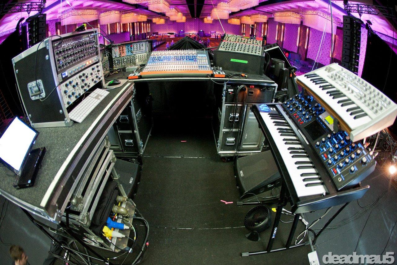 deadmau5 live setup 2017 - photo #10