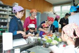 みつば幼稚園、親子で健康料理に挑戦