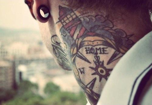 21 Mysterious Compass Tattoo Designs