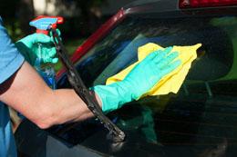 Comment nettoyer les vitres de voiture