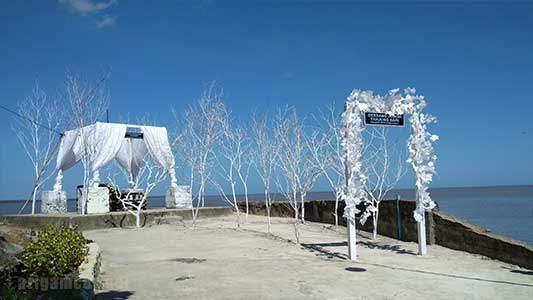 Gerbang Jodoh Spot Foto Baru di Tanjung Batu Pemangkat