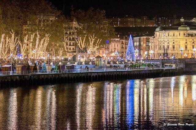 La Ría y el Arenal, luces de Navidad en Bilbao por El Guisante Verde Project