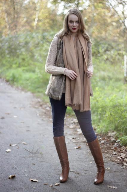 outfit faux fur gilet