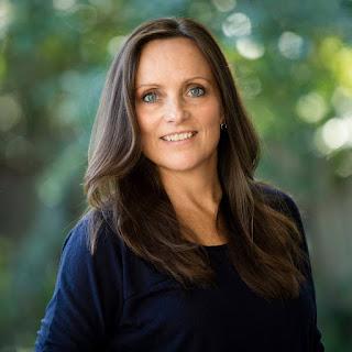 Nina Beilby Portrait Linkedin Website Corporate photography Tariq Holdich