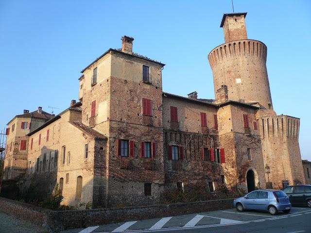 Sartirana-lomellina-castello