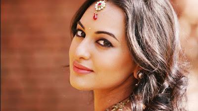 सोनाक्षी सिन्हा फिल्म 'चमेली की शादी' के रीमेक में चमेली की भूमिका में निभा सकती हैं।