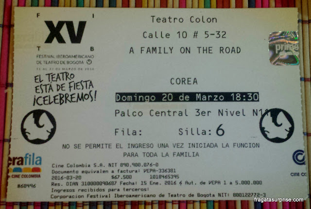 Ingresso para A Family on the Road, espetáculo coreano no Festival Ibero-Americano de Teatro de Bogotá