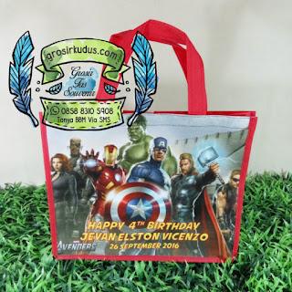 tas ulang tahun avenger