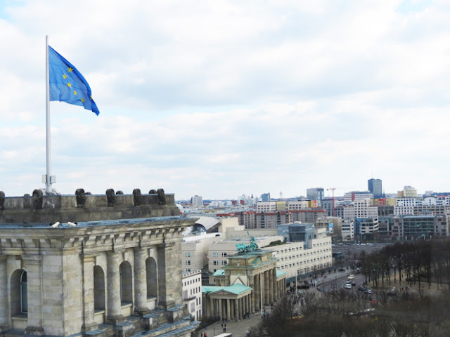 Vista do Portão de Brandemburgo do alto do Reichstag