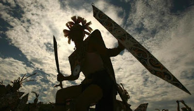 Tari Perang suku Dayak Kenyah