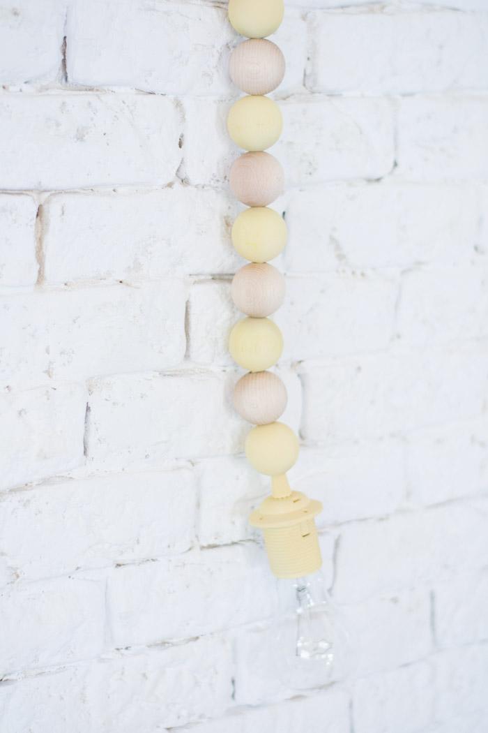 Lámpara bolas madera diy