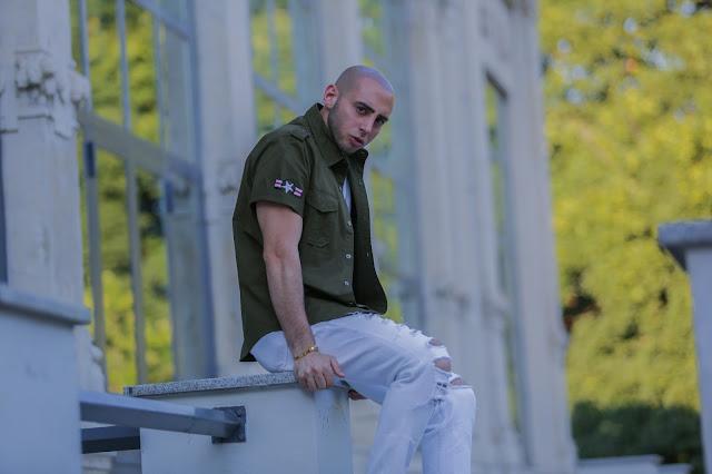 camicia militare maschile uomo come abbinarla