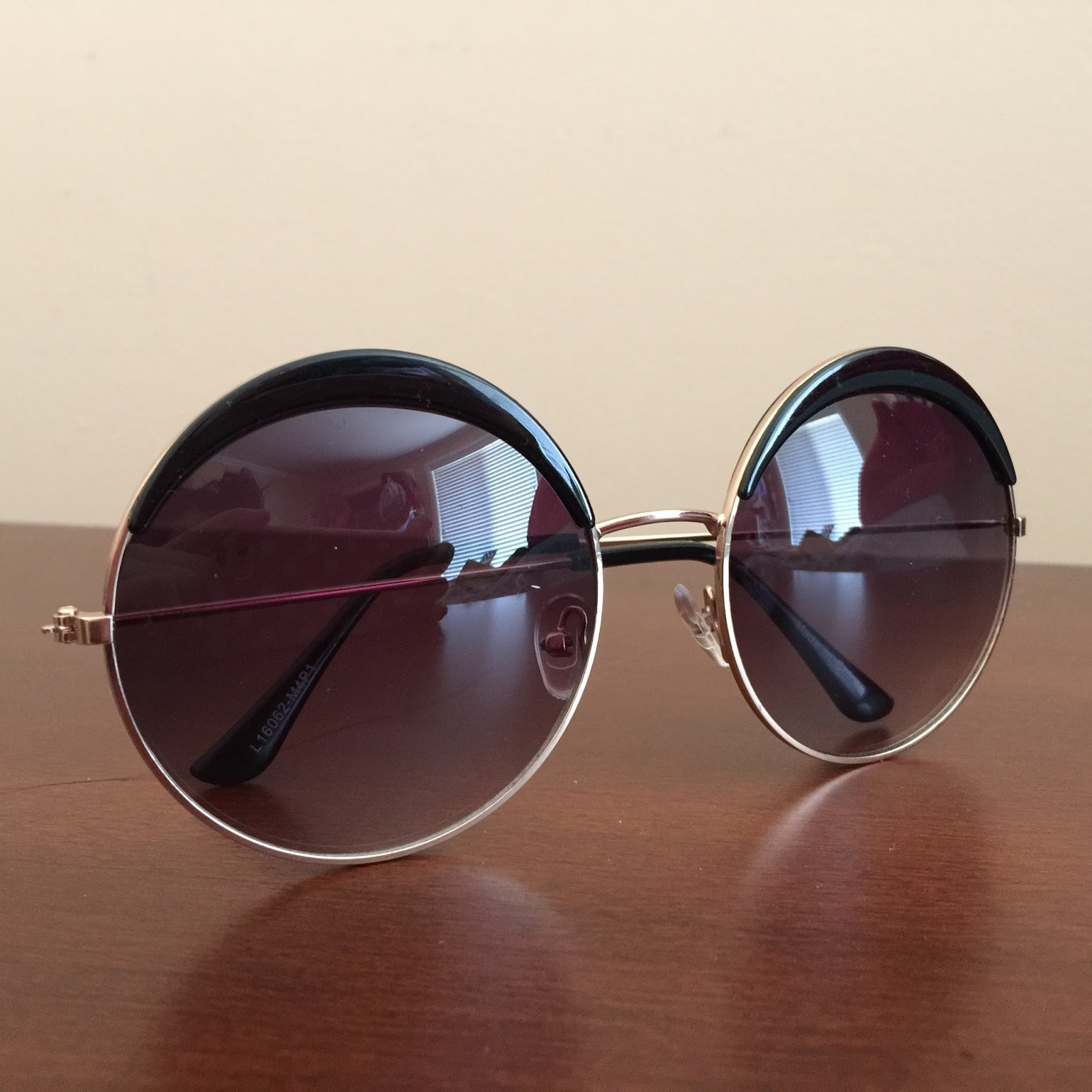 saint noir sunglasses, circle sunglasses, circle sunnies,