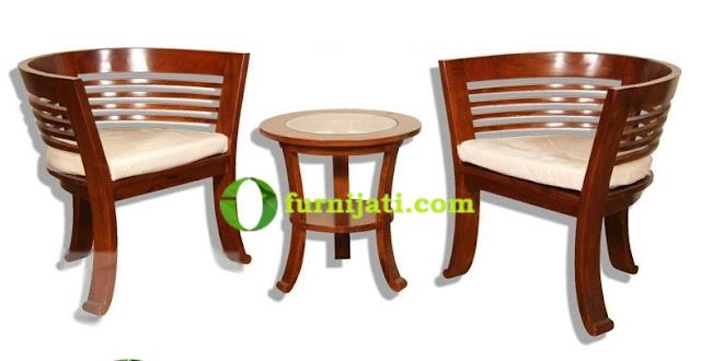 Model kursi kayu teras minimalis