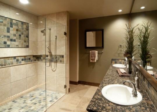 How to Choose The Best Shower Door For Your Bathroom