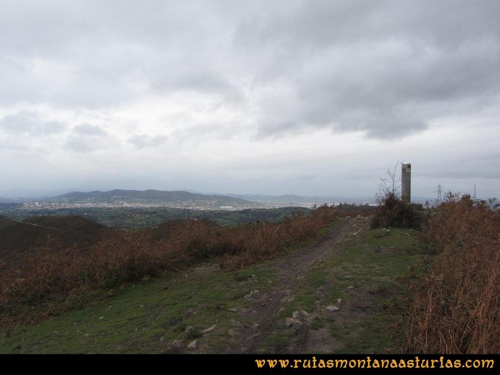 Ruta Olloniego Escobín: Oviedo desde el Picayu