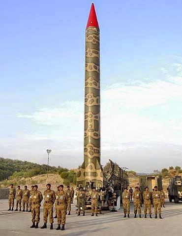 pakistan+nuklir.jpg (370×478)