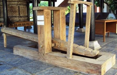 Jeungki Alat Penumbuk Padi Tradisional