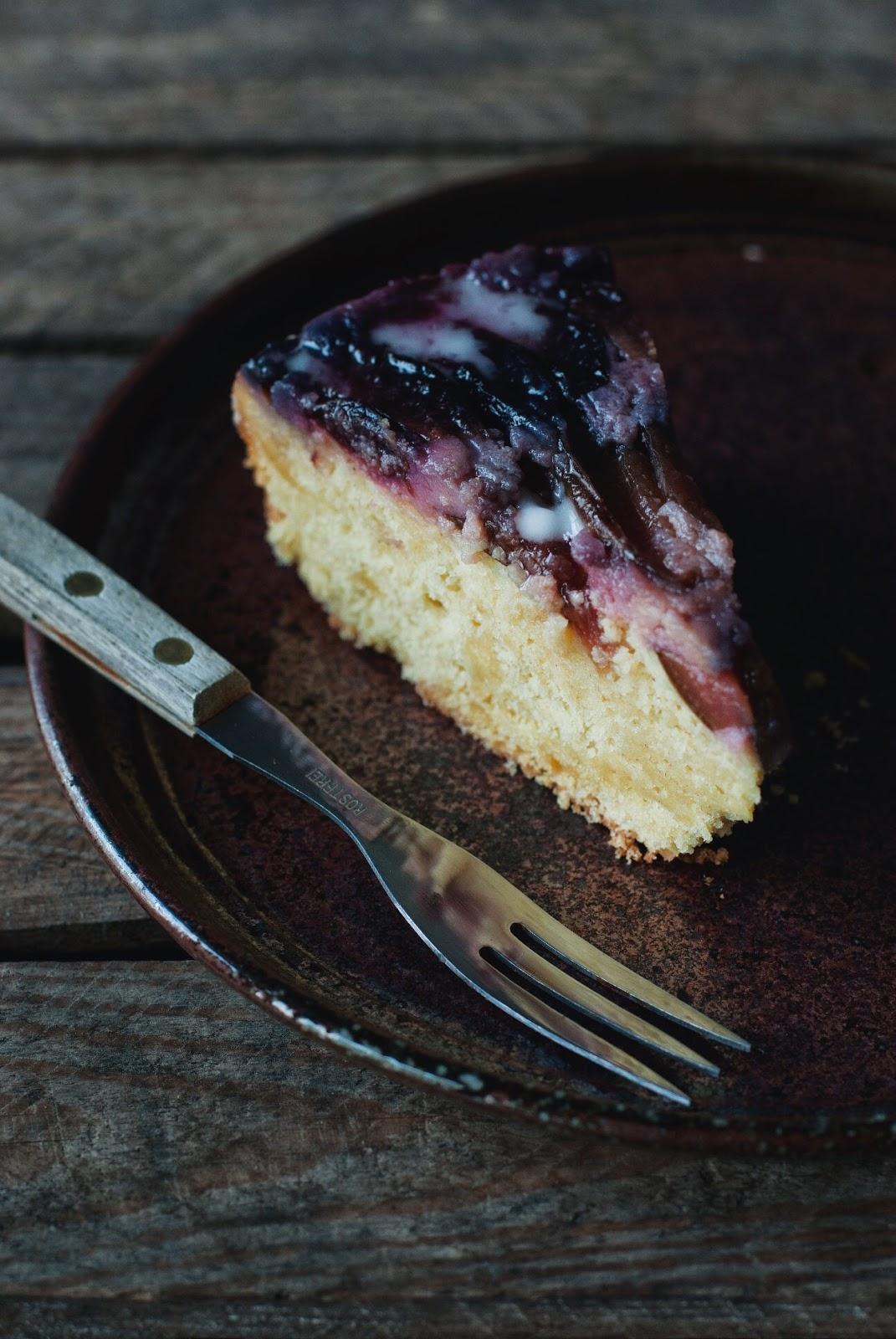 Bezglutenowe odwrócone ciasto z owocami