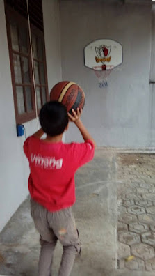 Abang main basket