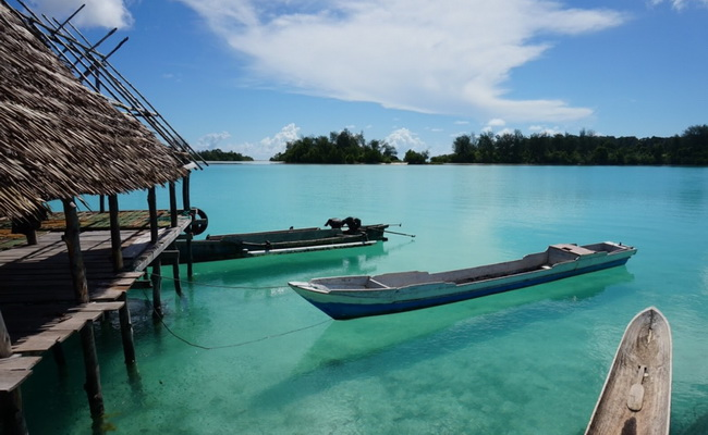 www.xvlor.com Widi Islands is string of 99 small islands perfect place for snorkeling