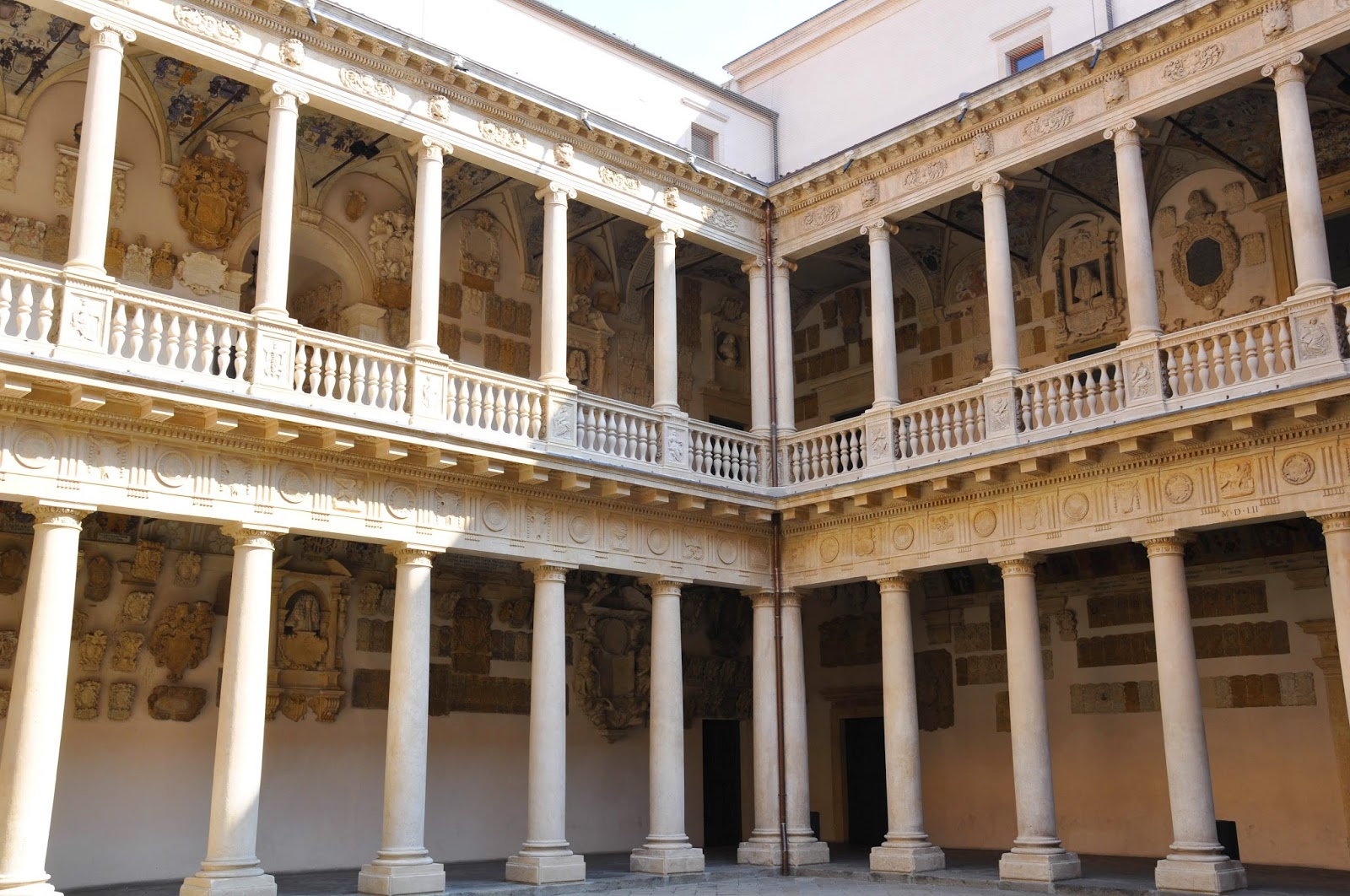 Inside the courtyard of the University of Padua-2