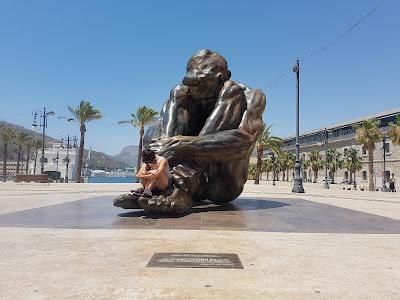 That's a big statue