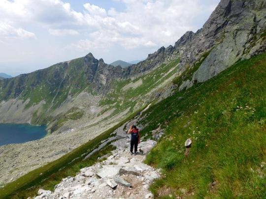 Ostatnie metry szlaku przed przełęczą Zawrat.
