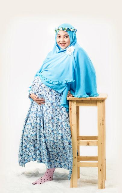 Maternity Photo Baby Ai