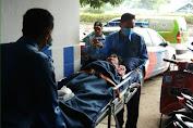 Wanita Lansia Sakit, Telantar Ditemukan Dini Hari