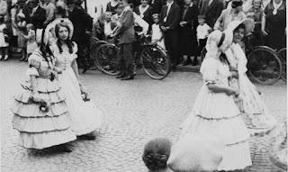 Die Biedermeiergruppe 1932 - Nachlass Joseph Stoll, Album Oald Bensem, lfd.No. 0096, eingescannt 600 dpi, Stoll-Berberich 2015
