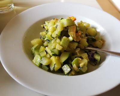 Zucchini-Gemüse; Rezept für gedünstete Zucchini