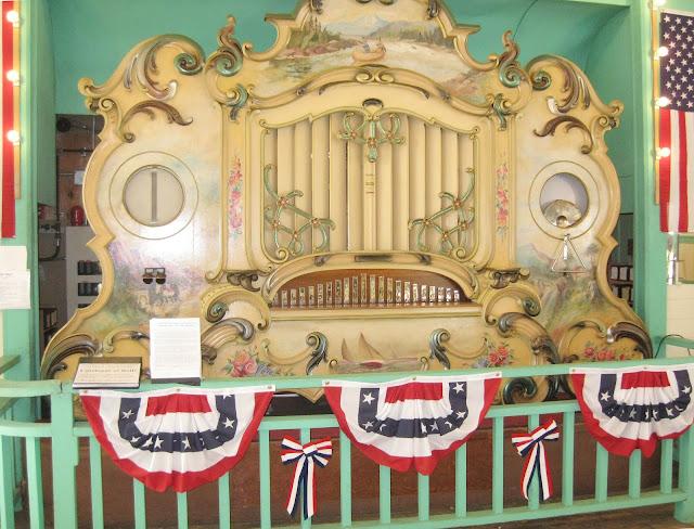 Glen Echo park - Dentzel Carousel - Band organ