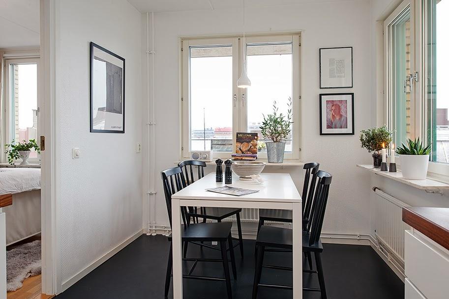 Minimalistyczne mieszkanie w stylu skandynawskim - wystrój wnętrz, wnętrza, urządzanie domu, dekoracje wnętrz, aranżacja wnętrz, inspiracje wnętrz,interior design , dom i wnętrze, aranżacja mieszkania, modne wnętrza, styl skandynawski, scandinavian style, biała wnętrza, minimalizm, jadalnia