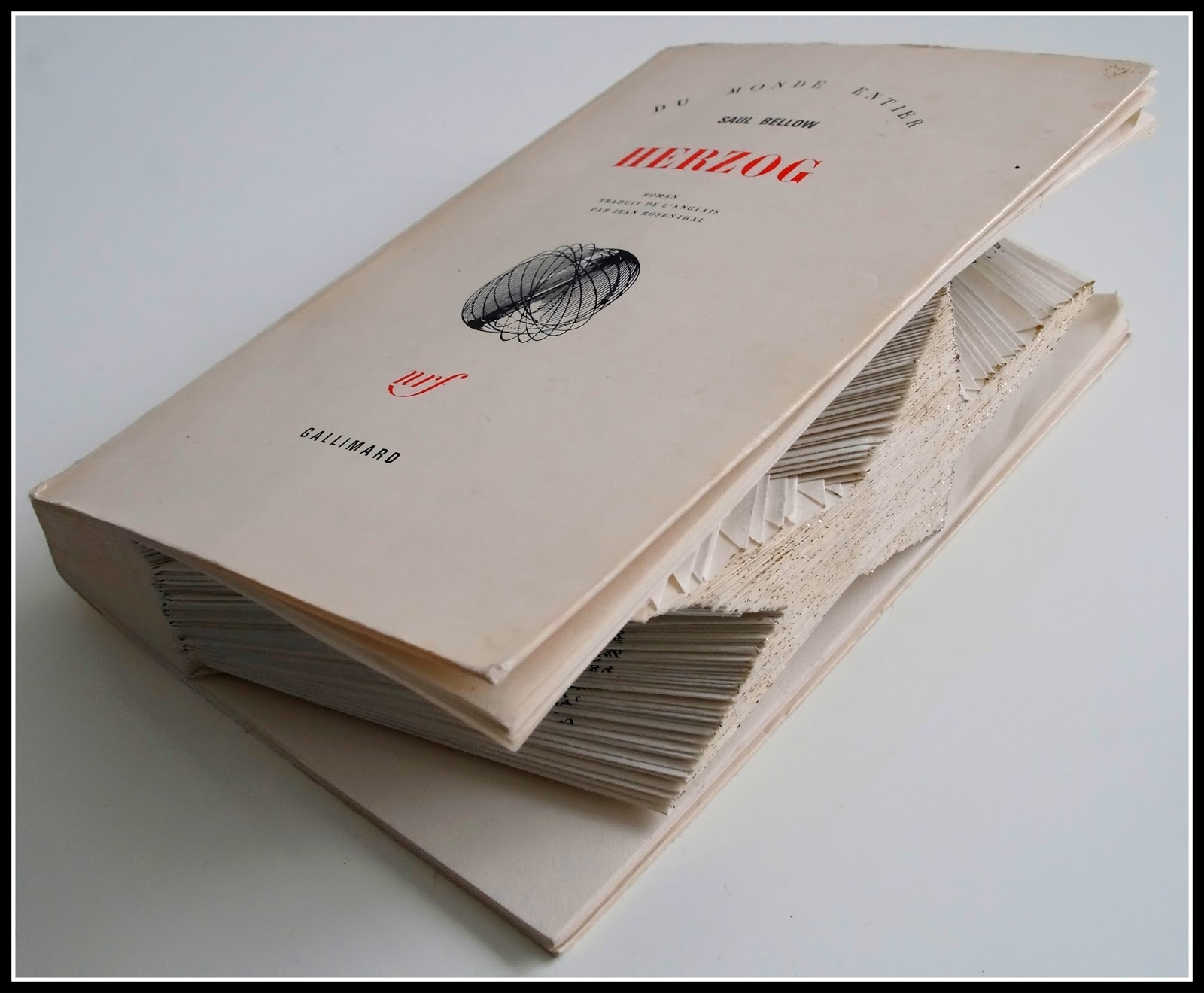mon joli petit bureau amour des livres pliage origami de livre en toile. Black Bedroom Furniture Sets. Home Design Ideas