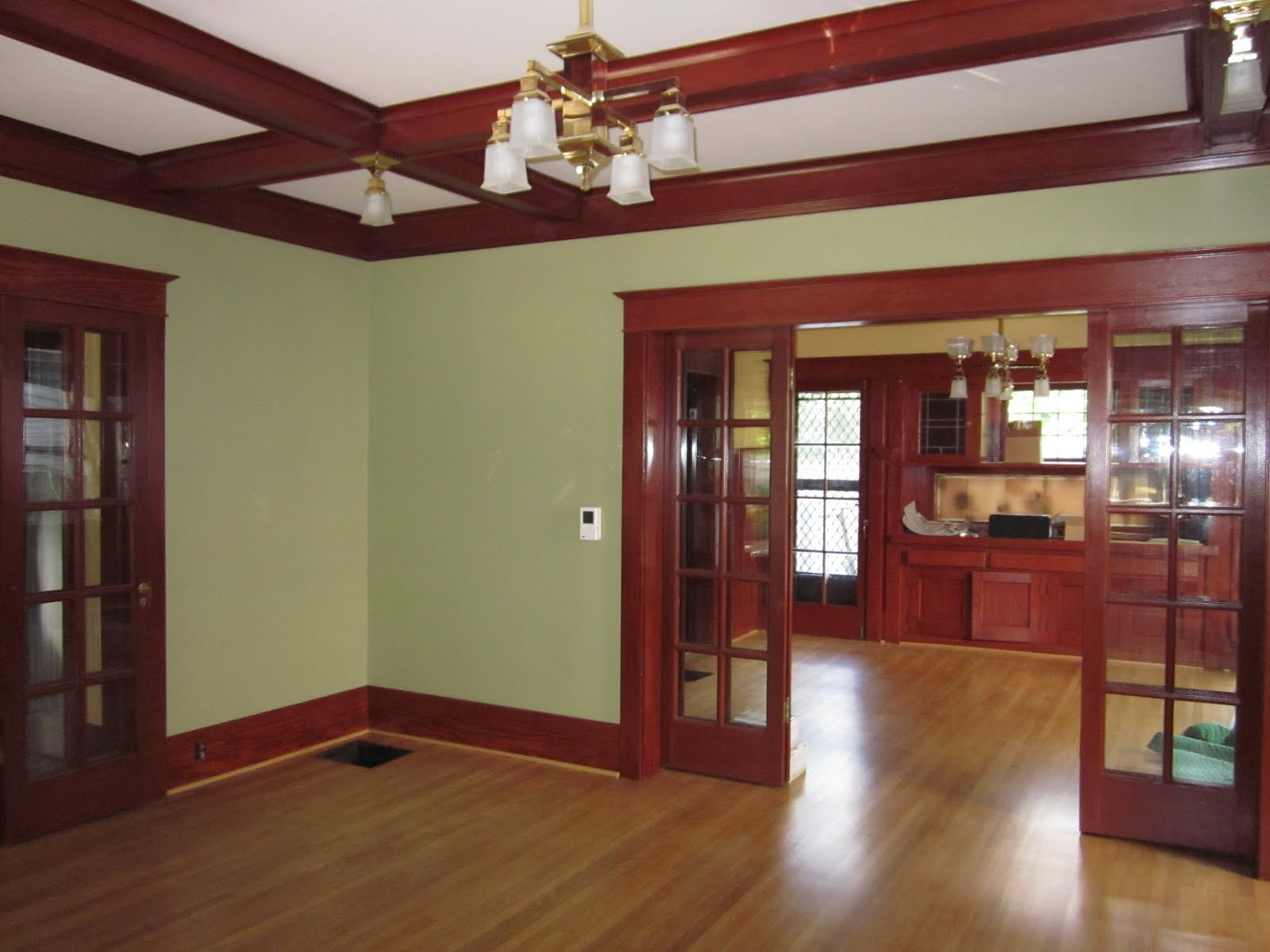Laurelhurst craftsman bungalow living room photos - How many paint colors in a house interior ...