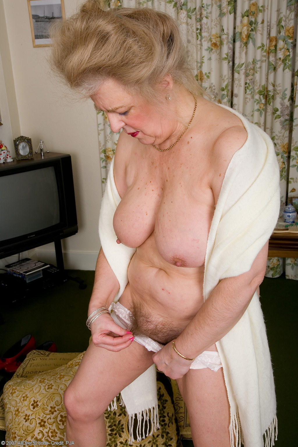 Curvy Mature Hairy
