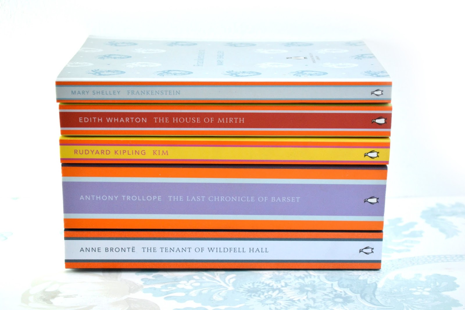 A pile of Penguin English Classic books