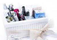 Logo Cristian Lay: vinci gratis un cesto di prodotti di bellezza