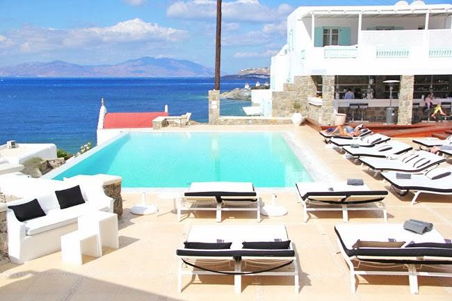 Bill & Coo hotel pool