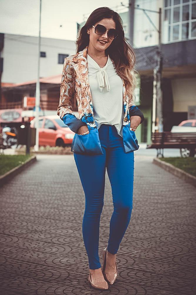 Look calça e blazer hi-lo Ally Arruda