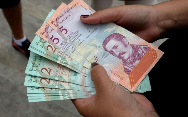 Escasez de efectivo se acentúa y amenaza con desaparecer billetes de 2, 5 y 10 bolívares