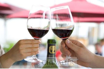 Rượu vang đỏ giúp trẻ lâu hơn