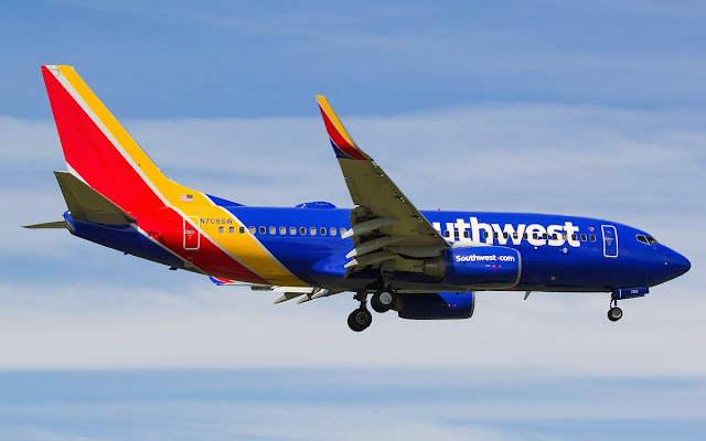 boeing 737-700 southwest airlines new livery