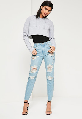 paha mulus aktif dengan Ripped Jeans