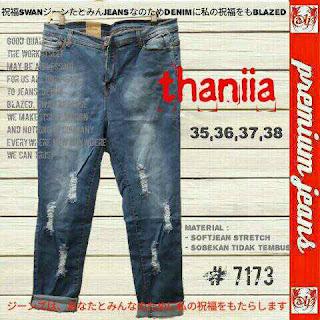 celana jeans pendek, celana jeans pendek wanita, celana jeans premium, celana jeans murah, grosir celana jeans, celana jeans robek, celana jeans size besar