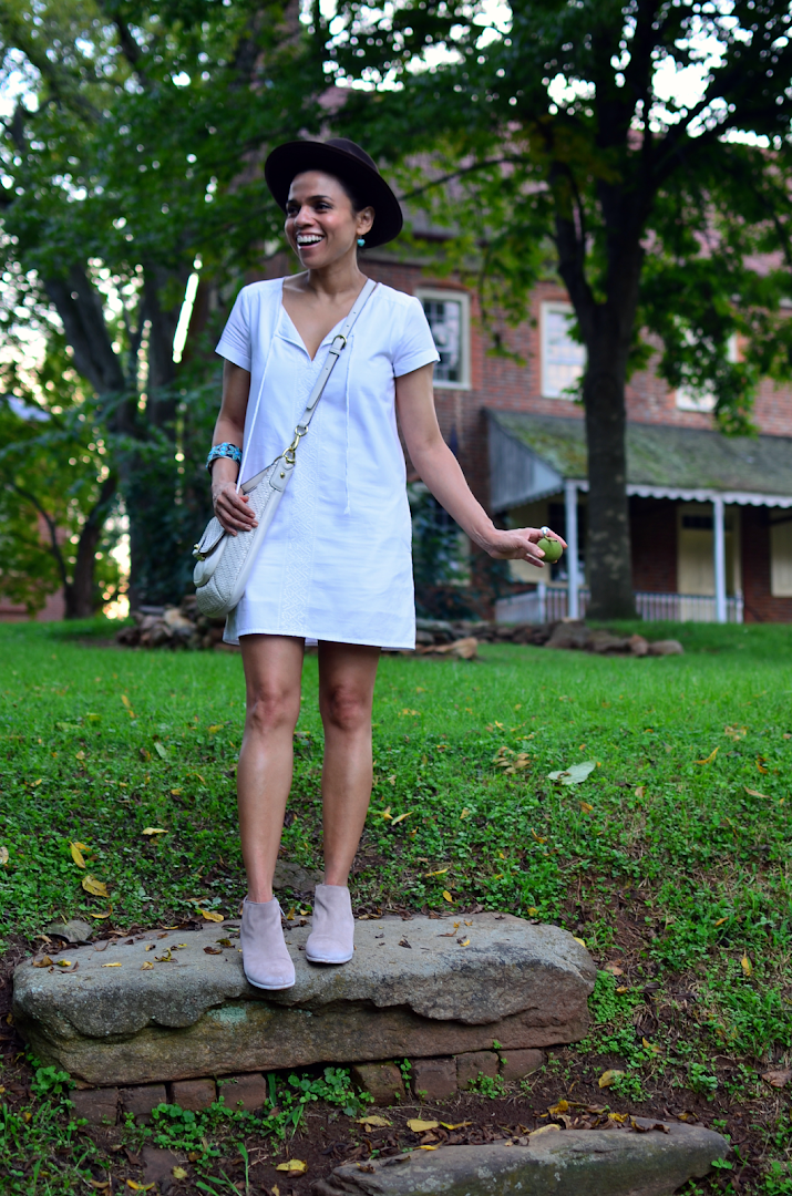 How to wear white dress in fall